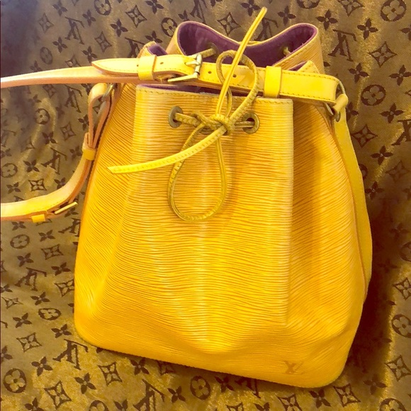 Louis Vuitton Handbags - Louis Vuitton Noe Bucket draws trine bag